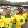 Neymar e seu filho Davi Lucca, de 2 anos. O craque jogou neste sábado (7), pelo Brasil, primeira vez desde que foi para o Barcelona