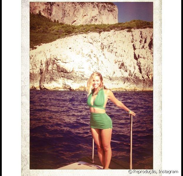 Beyoncé posta foto no Instagram durante passeio de barco na Praia do Espelho, em Posrto Seguro, na Bahia