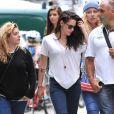 Segundo o site 'Daily Mail', a constante queda dos fios é tão grave que os amigos de Kristen Stewart estão preocupados com o estado mental frágil dela