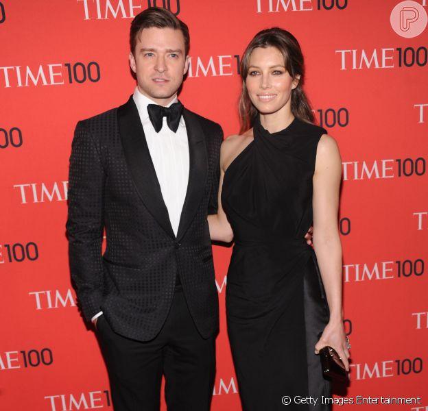 Jessica Biel adotou o sobrenome do marido, o cantor Justin Timberlake, e agora é Jessica Timberlake